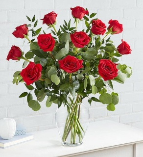 Heart\'s Desire Long Stem Red Roses